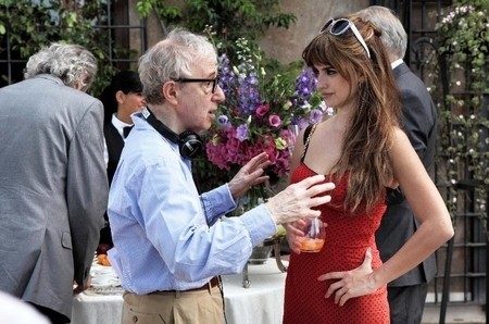 woody-allen-directs-penelope-cruz-on-the-to-rome-with-love-set