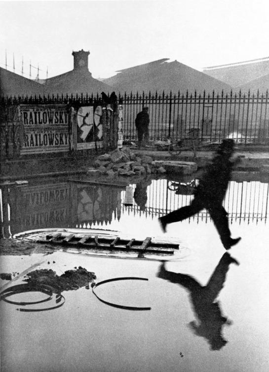 Henri Cartier-Bresson, Derriere la Gare Saint-Lazare, 1932.